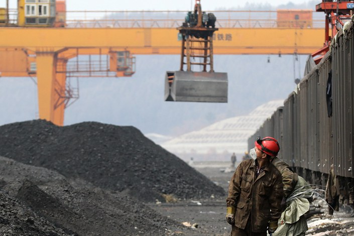 As of Thursday, coal stockpiles at four major Bohai Rim ports had fallen to 14.17 million tons, down 26% year-on-year.