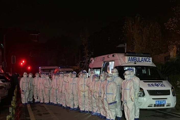 Doctors were gathering in response to the virus resurgence in Chengdu. Photo: Weibo