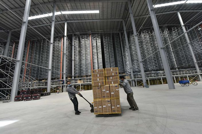 """An """"intelligent"""" warehouse and logistics center in Liaocheng, East China's Shandong province, on May 11."""