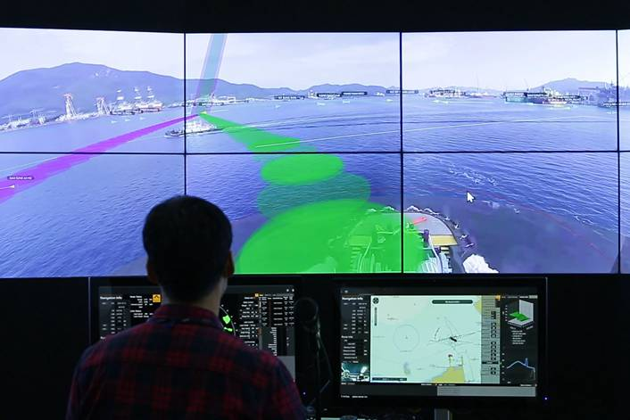 Samsung Heavy Industries' automated ship allows for remote operation and monitoring, as shown here in an October test. Photo: Courtesy of Samsung Heavy Industries