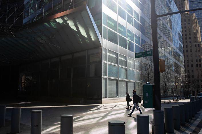 Outside Goldman Sachs Group Inc. headquarters in New York, U.S. Photo: Bloomberg