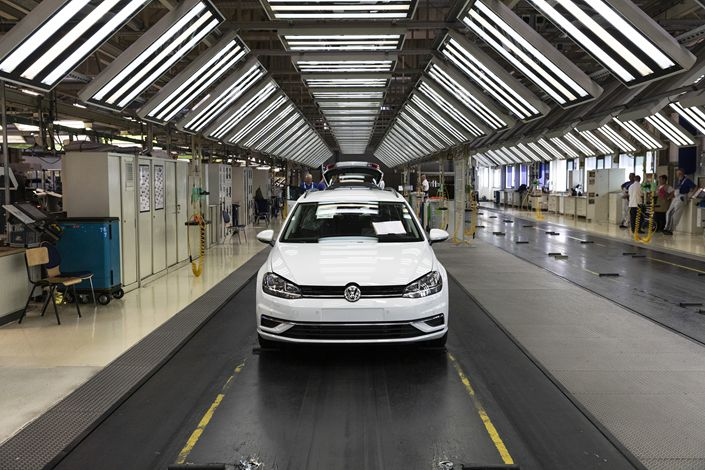 China contributed over 30% of last year's individual car sales for Volkswagen and BMW, while Daimler sold 36% of its luxury Mercedes-Benz vehicles in the country, according to industry data. Photo: VCG