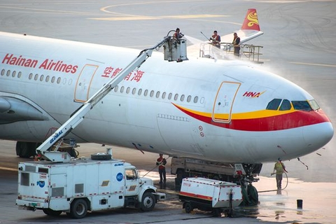 In January, Hainan Airlines said in an unaudited filing that it expects to report a net loss of up to 65 billion yuan for 2020, a would-be record for Chinese mainland-listed companies. Photo: VCG
