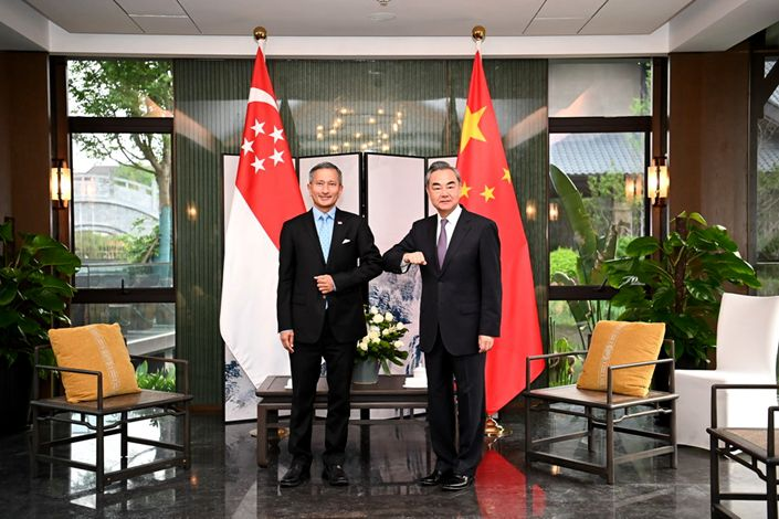 Chinese Foreign Minister Wang Yi holds talks on March 31 with Singaporean Foreign Minister Vivian Balakrishnan in Nanping, East China's Fujian Province. Photo: Ministry of Foreign Affairs