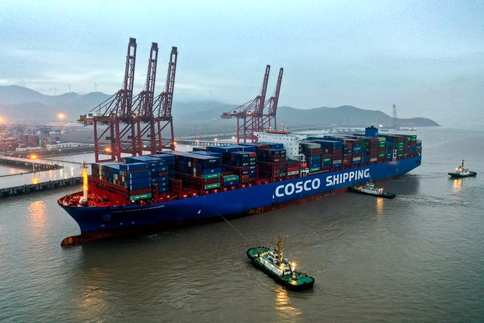 A Cosco cargo ship docks in Ningbo, East China's Zhejiang province, on March 31. Photo: VCG