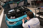 巨人觉醒:传统车企更大范围转型电动车业务