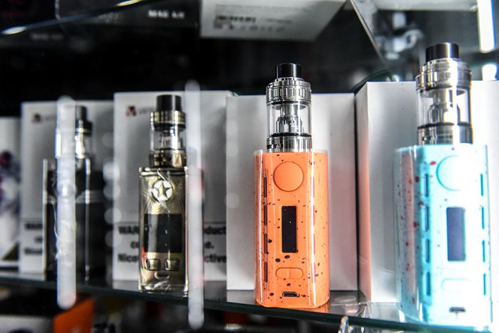 For tobacco control advocates, the STMA's lack of interest in public health measures is the problem. Copying its model wholesale for e-cigarettes could expose more people to a growing list of suspected harms that include hooking minors on nicotine. Photo: VCG