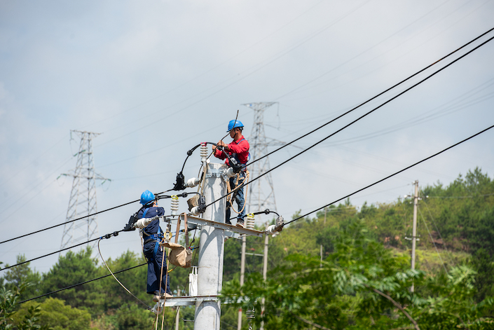 Factories in South China's Guangdong province face electricity cutbacks as hot weather, low rivers and industrial recovery result in more demand for power than generators can supply.