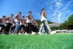 暑期严禁补习传言引行业震荡 重庆叫停公立高中复读班