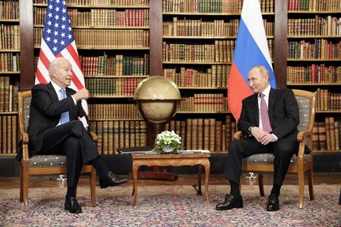 普京与拜登首次峰会触及广泛 重申不能打核战争
