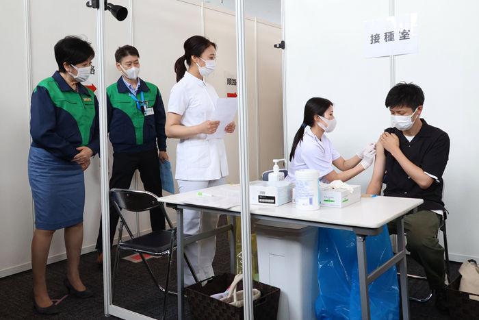 最新海外疫情:新冠感染超1.77亿 累计接种新冠疫苗超24.59亿剂次