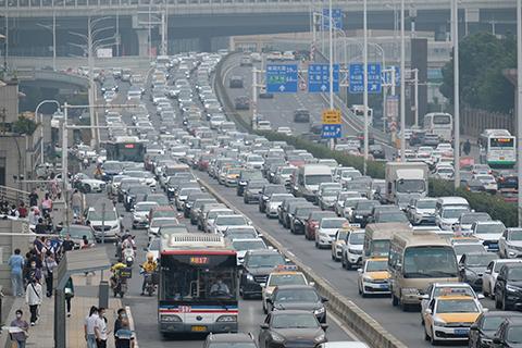 汽车成移动源污染重要来源 柴油车占颗粒物排放9成