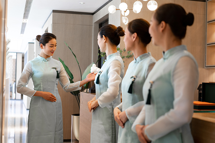 In the services sector, both business activity and total new orders rose at the slowest pace in 14 months. Photo: VCG
