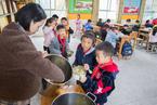 封面报道|农村儿童营养餐十年大考