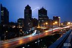 北京:暴雨之夜 看见
