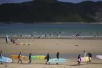 后海弄潮:海南一个被冲浪改变的村庄|短片