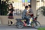 上牌限行双管齐下 广州为电动自行车重开路权
