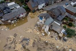 数字说 罕见洪灾袭击西欧上百人死亡 气候变化导致极端天气?