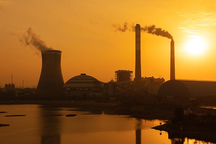 The smoking chimneys and cooling towers in Jiujiang, East China's Jiangxi province, on Jan. 23. Photo: IC Photo
