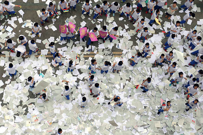 Excessive competition in education has boosted the development of the after-school tutoring industry. Photo: VCG