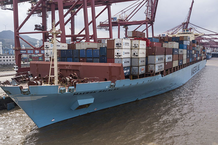 The Maersk Salalah container ship, operated by A.P. Moller-Maersk A/S, sits moored at the Port of Ningbo-Zhoushan in Ningbo on Oct. 31, 2018.  Photo: Bloomberg