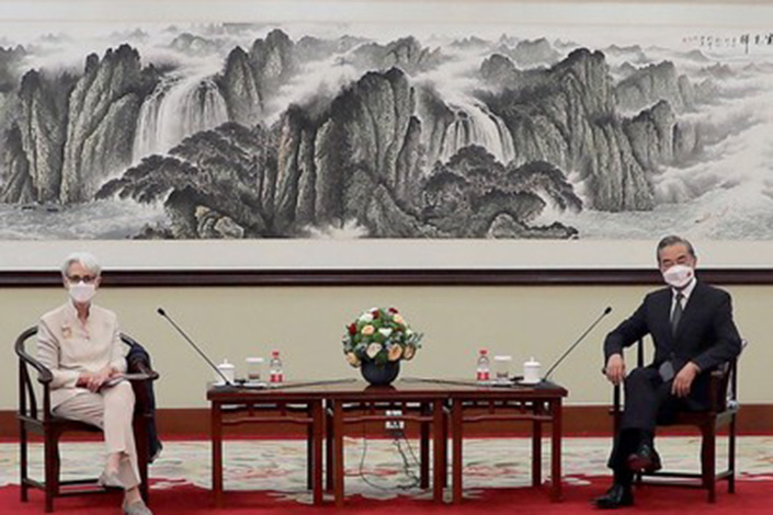China's Foreign Minister Wang Yi meets with U.S. Deputy Secretary of State Sherman in Tianjin on the afternoon of July 26. Photo: The Paper