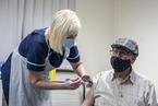 英国下周启动加强针 非洲疫苗接种率不足3.5% 大流行手记(9月14日)