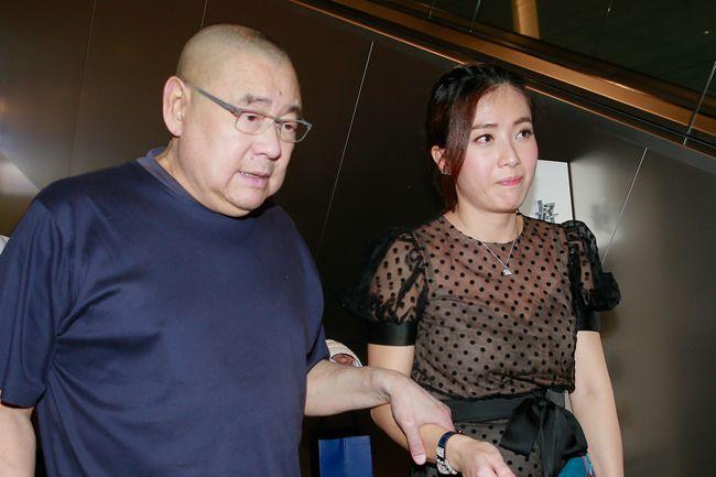 许家印好友刘銮雄夫妇两周抛售1.38亿股恒大股份