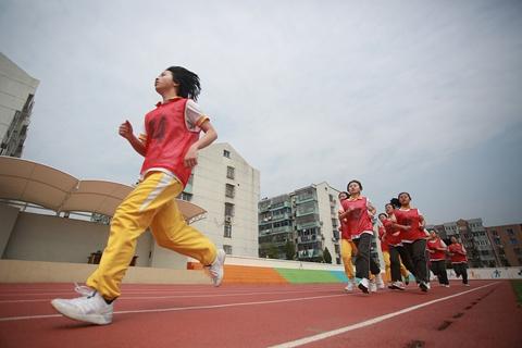 多地加速体育中考成绩增分 江苏提至总分10%|教育观察