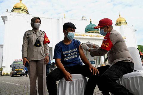 最新海外疫情:新冠感染超2.29亿 累计接种新冠疫苗超59.54亿剂次