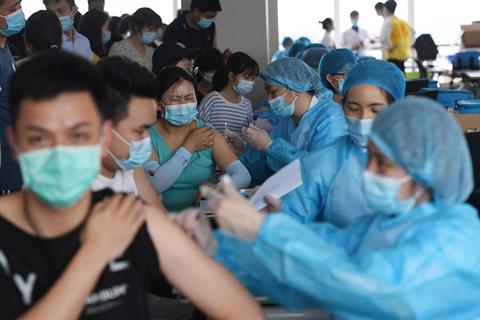 最新疫情:全国新冠累计确诊95986例 累计接种新冠疫苗超21.94亿剂次