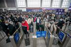 国庆假期客运量4亿人次 不足疫情前七成水平