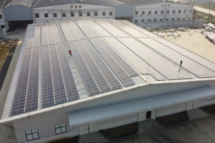 Vietnam is the region's largest market for wind and solar power, installing more solar capacity than all but two countries in the world in 2020. Photo: vinacapital.com