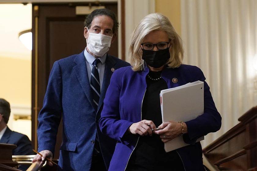 美众院委员会一致通过 认定班农藐视国会
