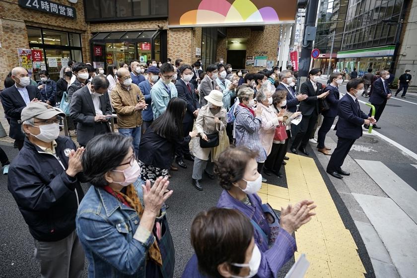 日本众议院选举持续进行